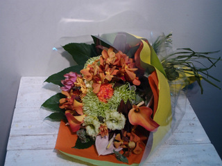 花束 オレンジ系
